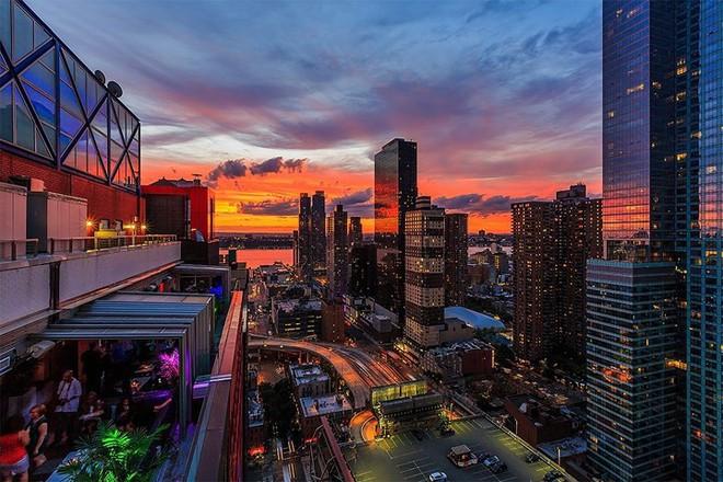 Top 10 nhà hàng trên tầng thượng có tầm nhìn đẹp nhất thế giới - Ảnh 10.