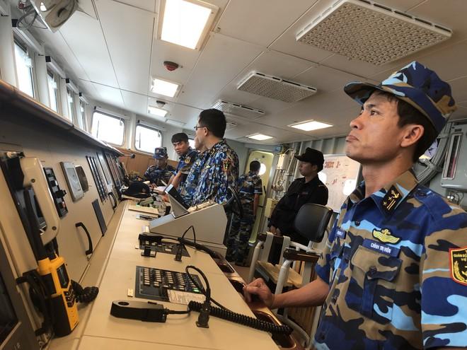Tàu hộ vệ tên lửa 015-Trần Hưng Đạo lớp Gepard VN chống bão Trà My giữa biển Nhật Bản - ảnh 2