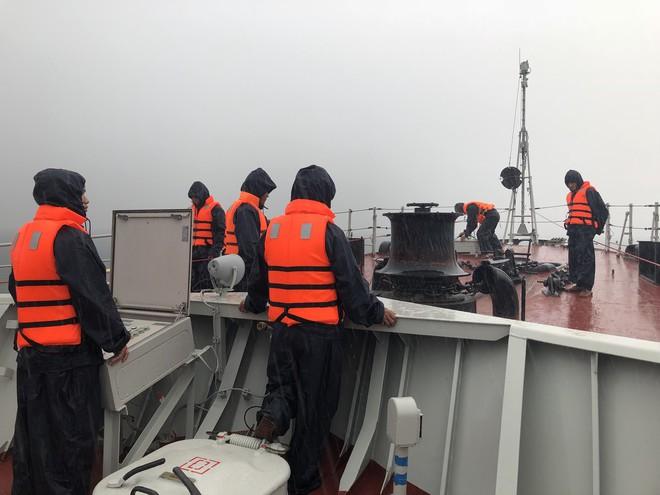 Tàu hộ vệ tên lửa 015-Trần Hưng Đạo lớp Gepard VN chống bão Trà My giữa biển Nhật Bản - ảnh 3