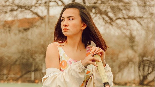 Nhan sắc nóng bỏng của hotgirl gốc Việt mới 18 tuổi kiếm bộn tiền trên đất Mỹ - Ảnh 1.