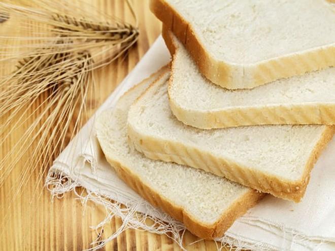 Bạn đừng bao giờ ăn những thứ này vào bữa trưa - Ảnh 1.