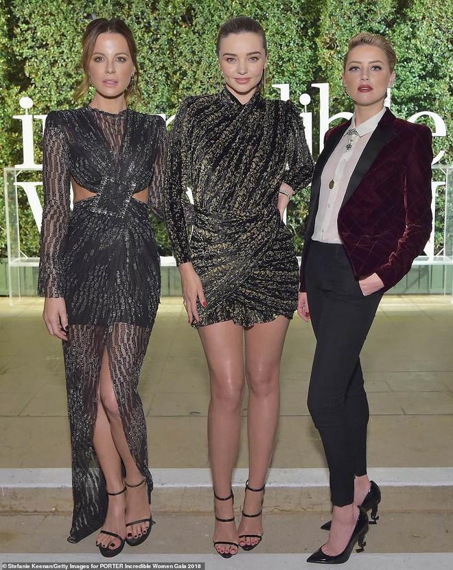 Đêm tiệc trở thành đấu trường nhan sắc: Miranda Kerr, Amber Heard đến Charlize Theron đều đẹp hết phần người khác - Ảnh 4.