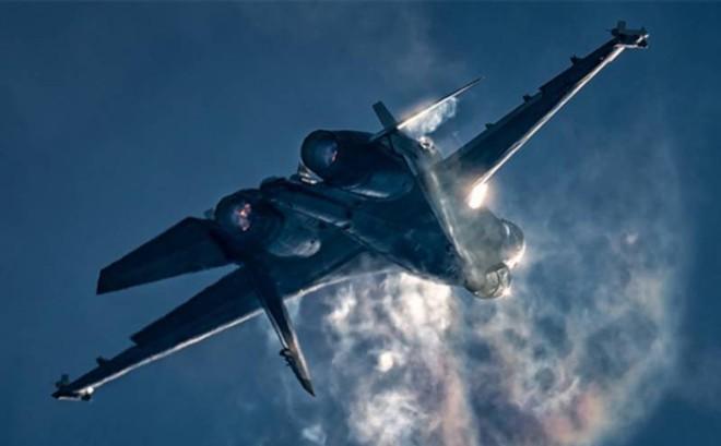 """F-35 """"không có cửa"""" chiến thắng Su-35 Nga: Mỹ đang giấu kín điều gì?"""