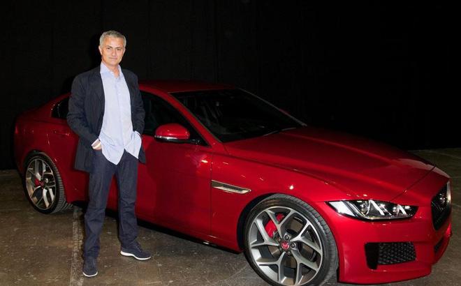 Thú vui tao nhã của HLV Mourinho với xế hộp