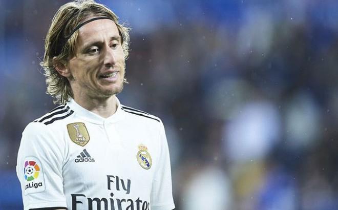 """Là mơ ước của mọi cầu thủ, nhưng World Cup đang """"hành hạ"""" Barca, Real, Liverpool thể nào?"""