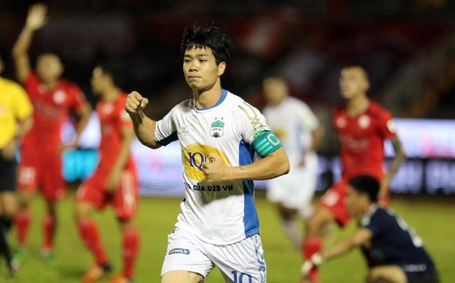 Hàng công tuyển Việt Nam quá mạnh, HLV Park Hang Seo đau đầu 'bỏ ai, chọn ai'