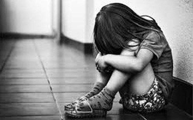 Quan hệ tình dục nhiều lần với bé gái 13 tuổi, gã hàng xóm viết tường trình nhận tội
