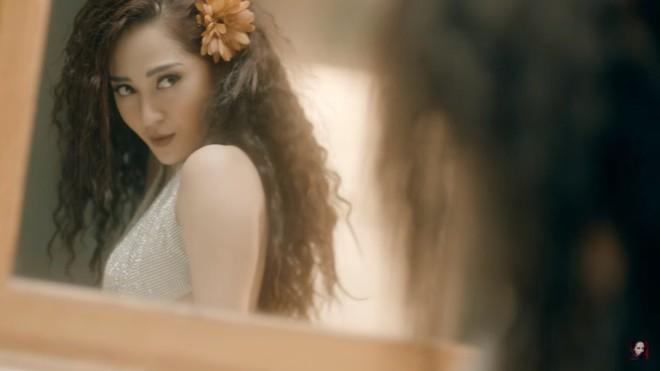 MV mới của Bảo Anh: Nóng bỏng nhưng hát không rõ lời, Kiều Minh Tuấn bị chê bai - Ảnh 4.
