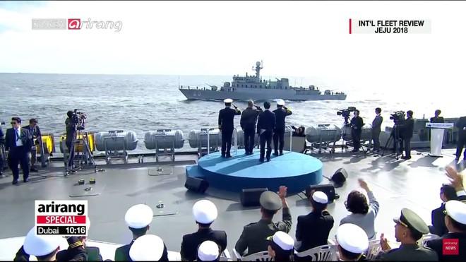 Tư lệnh HQVN và Tổng thống Hàn Quốc tại Lễ duyệt binh tàu chiến quốc tế: VN có tàu mới - Ảnh 3.