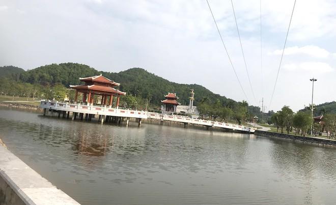 Cảnh hư hỏng, nhếch nhác khó tin ở Khu di tích Truông Bồn hơn 300 tỷ - Ảnh 19.