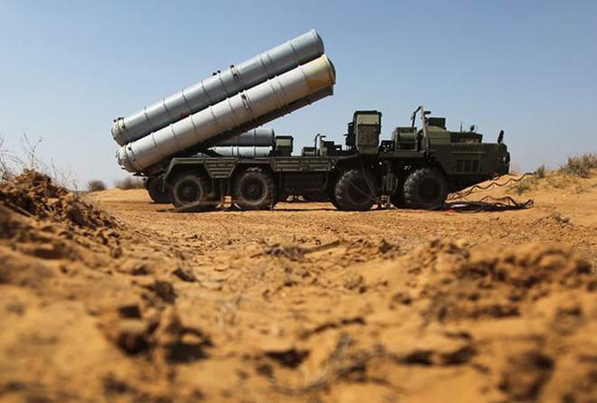 Thông điệp lạnh lùng của Nga: Đừng cố làm gì ngu ngốc với S-300 trong 3 tháng tới! - Ảnh 1.