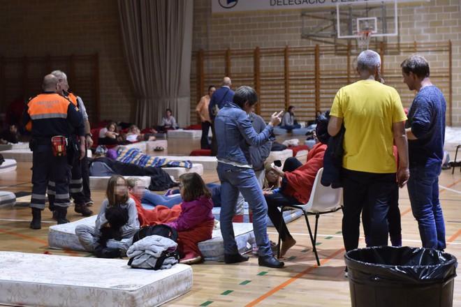 Lũ lớn càn quét đảo Mallorca, Tây Ban Nha: Ít nhất 5 người chết, nhiều người mất tích - Ảnh 3.
