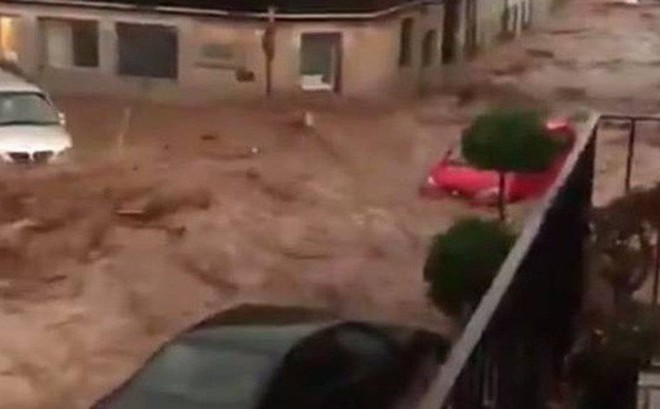 Lũ lớn càn quét đảo Mallorca, Tây Ban Nha: Ít nhất 5 người chết, nhiều người mất tích