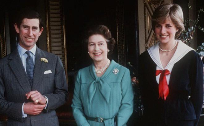 Sự thật về mối quan hệ mẹ chồng nàng dâu của Diana và điều Công nương đã làm thay đổi định kiến hoàng gia