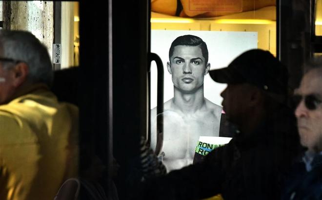 """Luật sư của Ronaldo phản công, tố truyền thông dùng """"tài liệu giả"""" buộc tội CR7 hiếp dâm"""