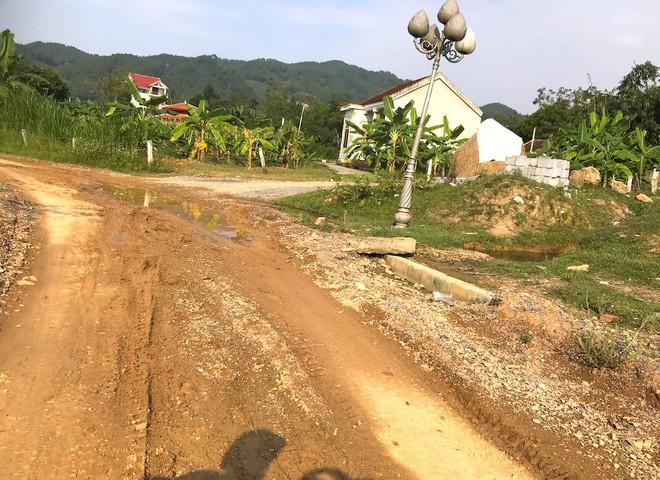 Cảnh hư hỏng, nhếch nhác khó tin ở Khu di tích Truông Bồn hơn 300 tỷ - Ảnh 18.