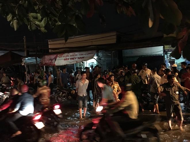 Nam thanh niên bị 2 đối tượng dùng hung khí sát hại trên đường phố Sài Gòn - ảnh 2