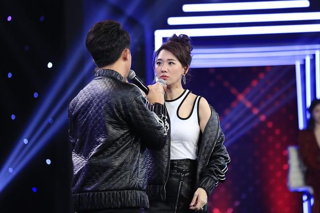 Diễn viên Hiếu Nguyễn nhắc nhở: Hari Won có thể ngưng đụng chạm tôi được không? - Ảnh 3.