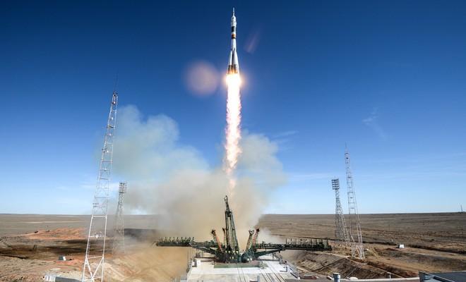 Giây phút bàng hoàng ở Trung tâm vũ trụ Nga: Tàu Soyuz gặp tai nạn! - Ảnh 1.