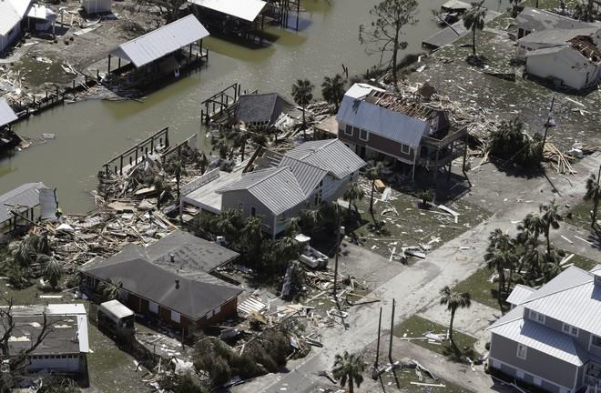 Ảnh, video: Siêu bão Michael tàn phá bờ nam nước Mỹ - Ảnh 5.