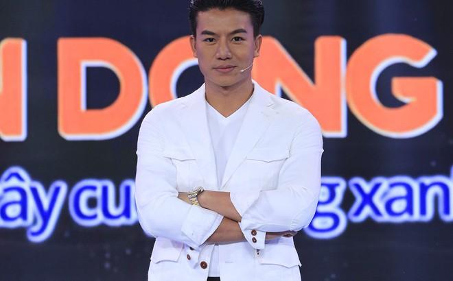 Diễn viên Hiếu Nguyễn nhắc nhở: Hari Won có thể ngưng đụng chạm tôi được không?