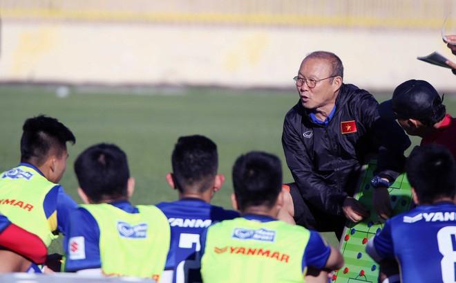 """Đơn vị nắm bản quyền AFF Cup sẵn sàng """"free"""", thầy trò HLV Park Hang-seo sẽ hưởng lợi?"""