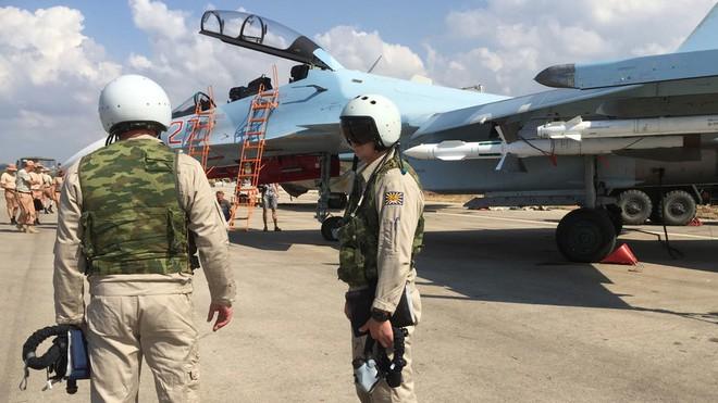 Khủng bố IS có kế hoạch tàn bạo nhắm vào các phi công Nga ở Syria: Đặc biệt nguy hiểm! - Ảnh 1.