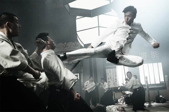 """Kungfu ngoài đời thực của """"Diệp Vấn"""" Chung Tử Đơn có kinh khủng như trên màn ảnh?"""