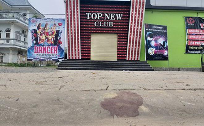 Truy bắt 2 thanh niên dùng hung khí sát hại nhân viên Top New Club ngay trước cửa quán