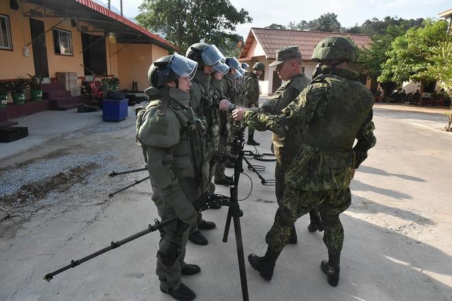 Trang bị hiện đại của lính công binh Nga đang hoạt động tại Lào - Ảnh 11.