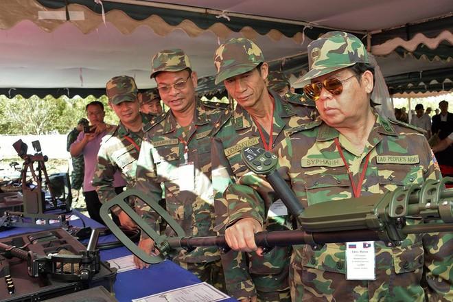 Trang bị hiện đại của lính công binh Nga đang hoạt động tại Lào - Ảnh 4.