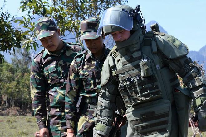 Trang bị hiện đại của lính công binh Nga đang hoạt động tại Lào - Ảnh 6.