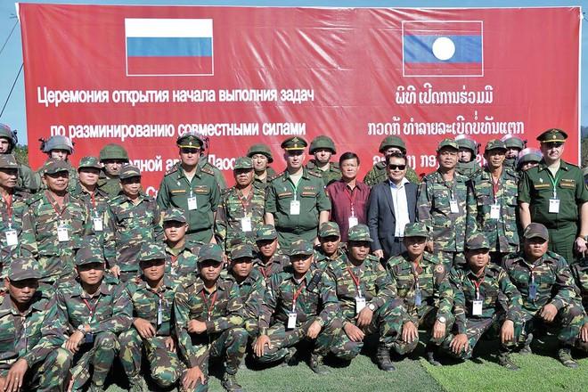 Trang bị hiện đại của lính công binh Nga đang hoạt động tại Lào - Ảnh 1.