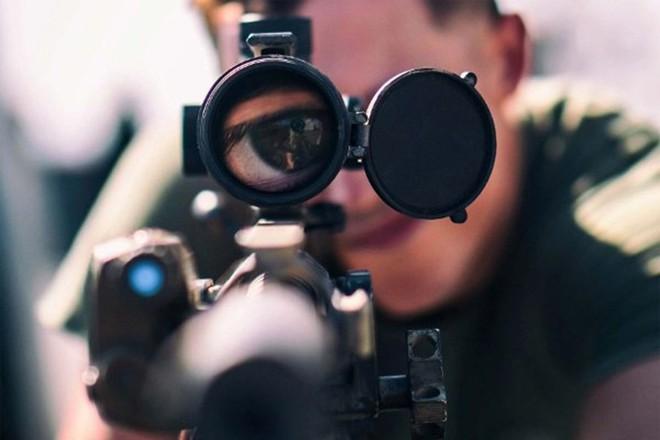 Lính Nga bị kỷ luật khi xe tăng hết đạn, dùng xích đè nát những kẻ tấn công tập kích - Ảnh 2.