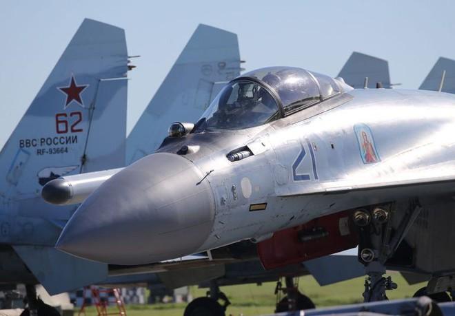 Su-35 khóa chết F-22 ở Syria: Lời nói dối trắng trợn của phi công Nga? - Ảnh 2.