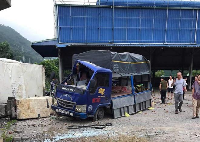 4 ô tô đâm liên hoàn ở Quảng Ninh khiến 4 người thương vong - Ảnh 2.