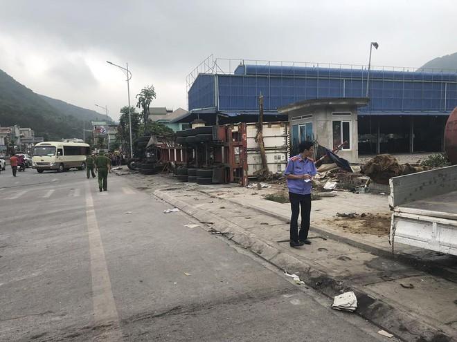 4 ô tô đâm liên hoàn ở Quảng Ninh khiến 4 người thương vong - Ảnh 3.