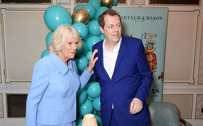 """Bà Camilla lủi thủi một mình trong hai sự kiện, từng bị Hoàng gia Anh hắt hủi, cấm yêu Charles vì không còn """"trinh trắng"""""""