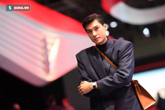 Hoàng Thùy, Quang Đại háo hức trước trước giờ G ở Paris Motor Show - Ảnh 9.