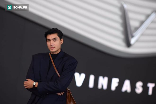 Hoàng Thùy, Quang Đại háo hức trước trước giờ G ở Paris Motor Show - Ảnh 7.