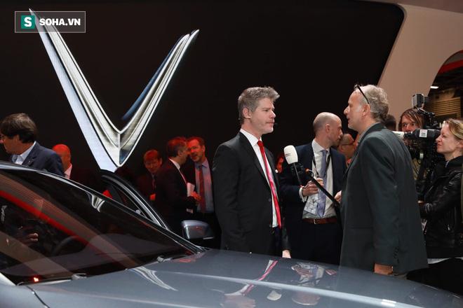 Nhìn loạt ảnh để thấy xe VinFast được truyền thông thế giới quan tâm đến mức nào - Ảnh 4.