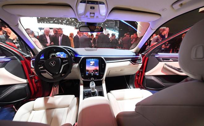 Dự đoán giá xe VinFast sau màn ra mắt ấn tượng ở Paris: Quá đẹp để bán dưới tiền tỷ!