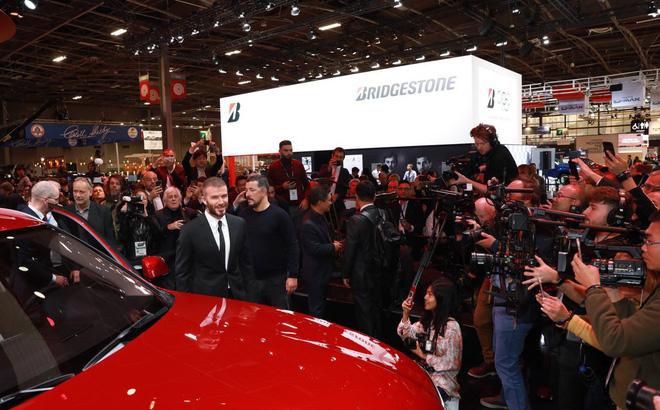 Nhìn loạt ảnh để thấy xe VinFast được truyền thông thế giới quan tâm đến mức nào