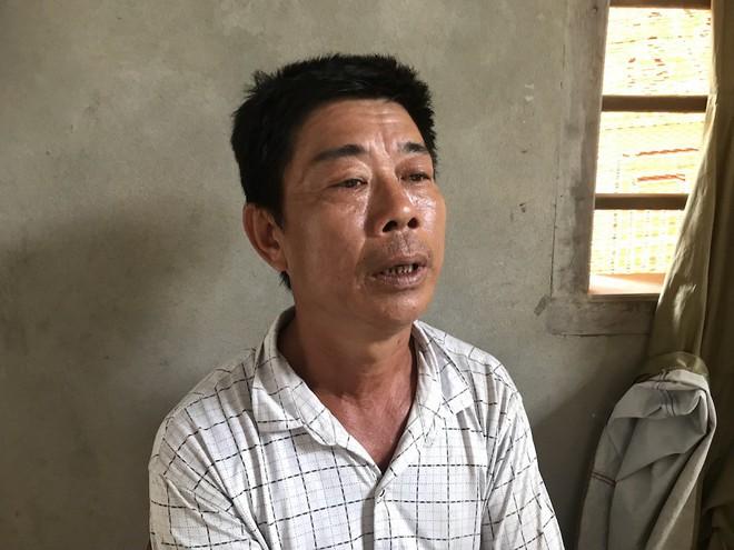Vụ gia đình 4 người treo cổ tử vong: Cha già chết lặng chứng kiến 4 chiếc quan tài trong căn nhà xây dở - Ảnh 4.