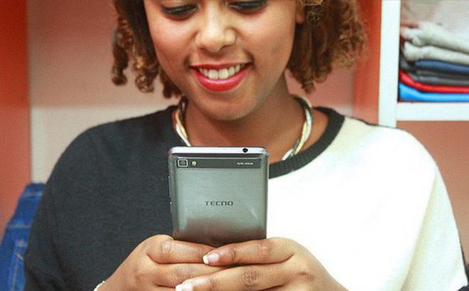 Với tính năng selfie, hãng smartphone chưa ai từng nghe tên này đánh bại cả Apple, Samsung, Huawei... ở châu Phi như thế nào?