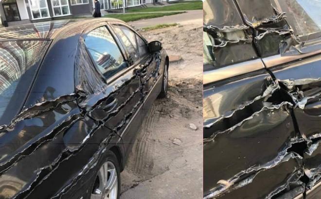 """Chiếc xe hơi bị """"xé rách"""", dân mạng hoang mang vì không rõ nguyên nhân"""