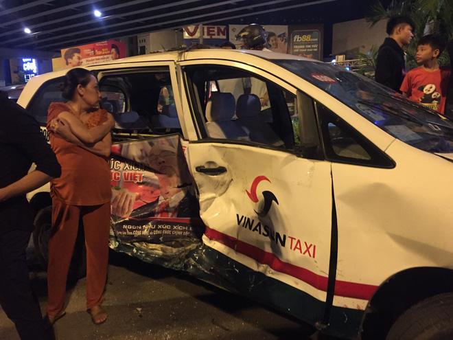 Lời khai ban đầu của nữ tài xế BMW gây tai nạn hàng loạt khiến nhiều người thương vong ở TP.HCM - Ảnh 3.