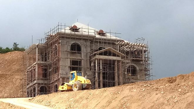 Cận cảnh biệt thự khủng xây trái phép của Công ty ximăng Công Thanh - Ảnh 1.