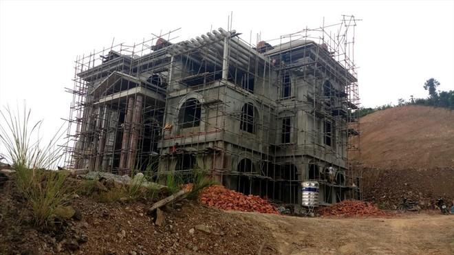 Cận cảnh biệt thự khủng xây trái phép của Công ty ximăng Công Thanh - Ảnh 3.