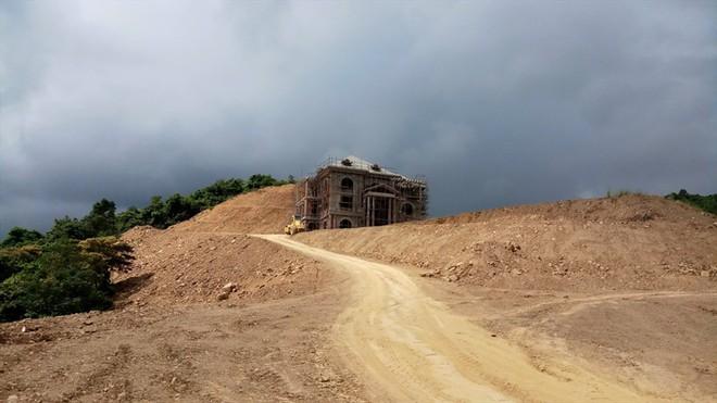 Cận cảnh biệt thự khủng xây trái phép của Công ty ximăng Công Thanh - Ảnh 5.